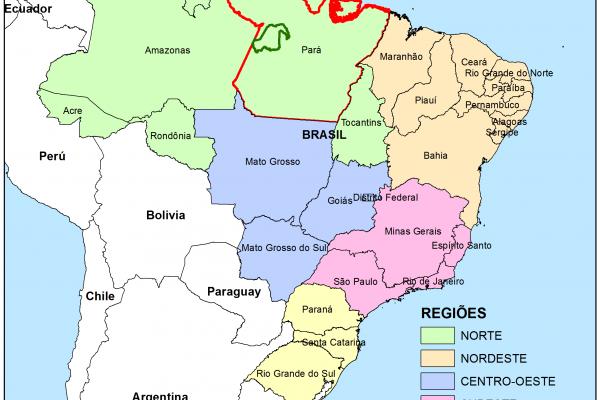Mapa de Brasil, con la ubicación del estado de Pará en rojo y los límites del territorio del Bosque Modelo Amazonas Tapajós en verde.